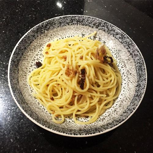 assiette spaghetti ail huile piment